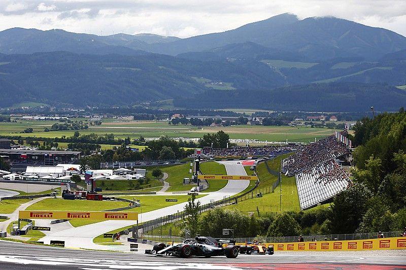 Hamilton snelste in eerste training Oostenrijk, derde tijd Verstappen
