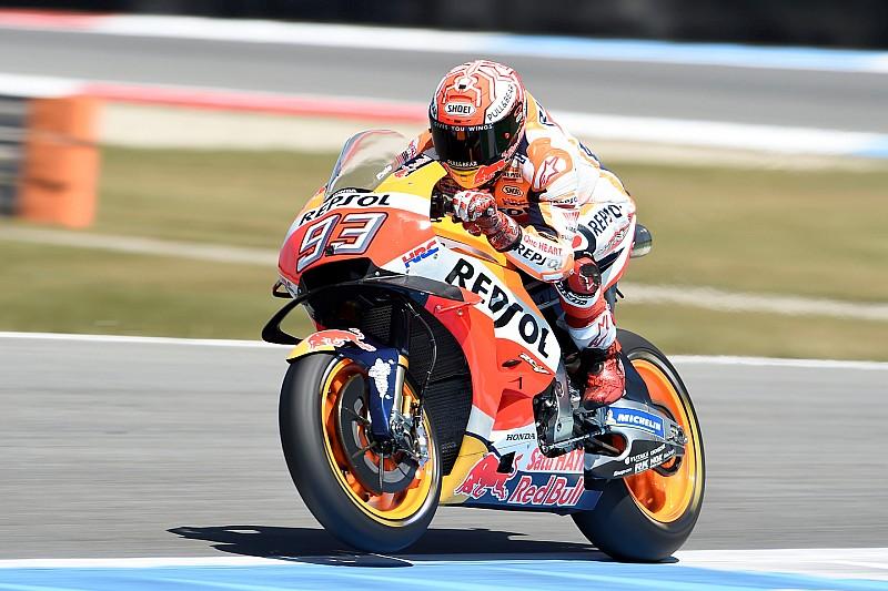 Marquez firma una super pole ad Assen, ma in prima fila c'è anche Valentino