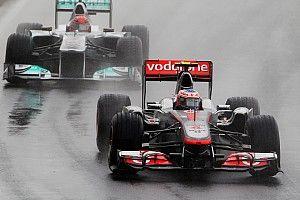 Vettel drámai módon bukja el a győzelmet Button ellen Kanadában