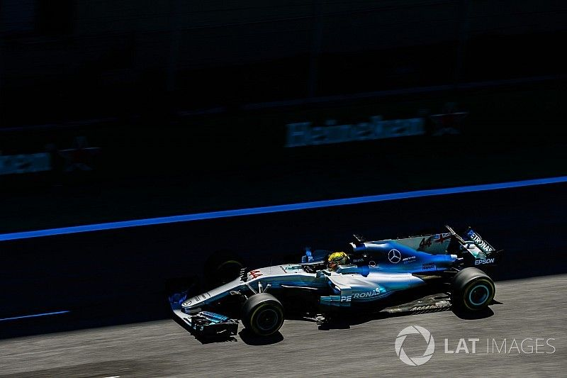 """Wolff: """"Verbazingwekkende"""" Hamilton had kunnen winnen in Brazilië"""