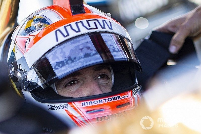 Hinchcliffe lidera práctica con 11 autos en Sebring
