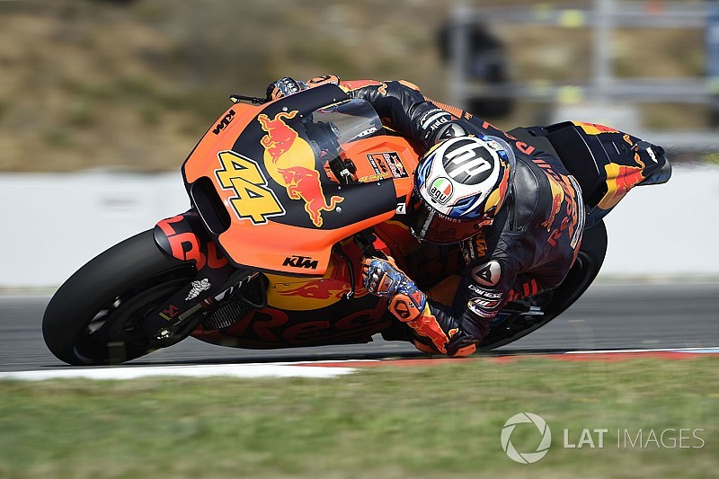 Espargaro breaks collarbone, out of Brno race