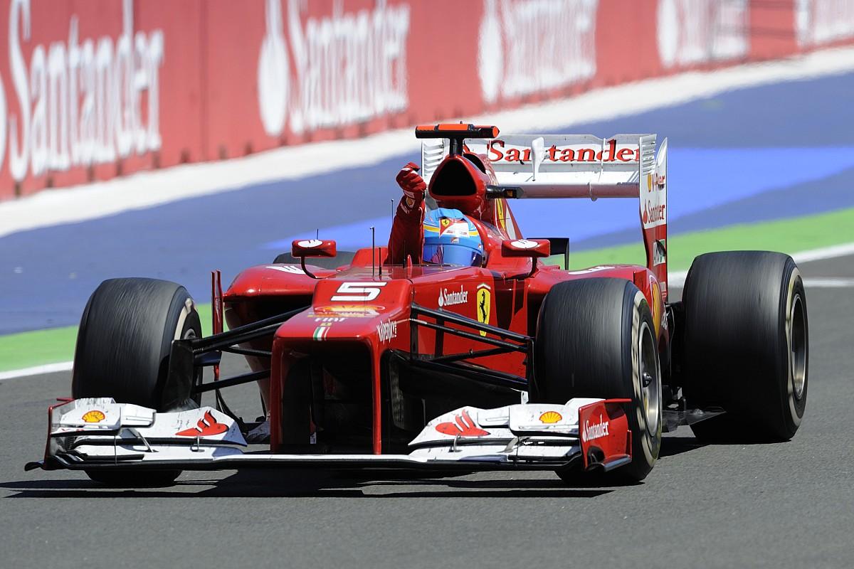 Alonso megmutatta, hogyan kell rajtolni a Ferrarival: videó