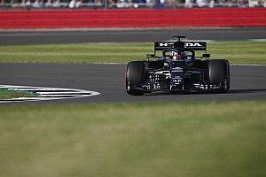 F1イギリスFP2速報:各車ロングランに集中。フェルスタッペンが首位、角田裕毅は16番手