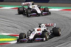 Mazepin se queja porque su chasis pesa más que el de Schumacher