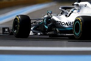 Bottas says changing wind hampered pole chances