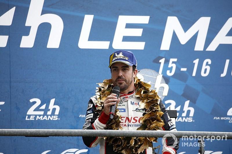 """Alonso: """"Logramos una victoria que quizás no merecimos en la pista"""""""