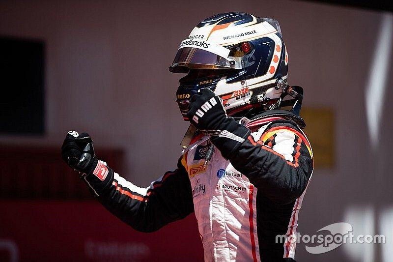 Hoe De Vries dit weekend tot F2-kampioen gekroond kan worden