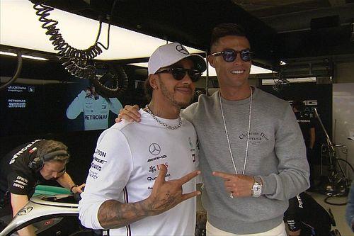 Cristiano Ronaldo 'tieta' Hamilton em treino da Fórmula 1 em Mônaco