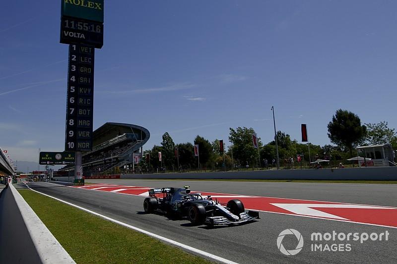Los Mercedes dominan los libres 2 en Barcelona