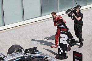 Vettel jelenetei a Ferrarinál: amikor félretette a táblát (videó)