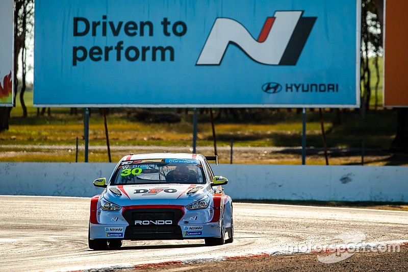 Winton TCR: Brown tops practice, O'Keeffe crashes