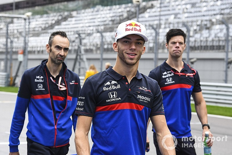"Gasly giving ""120 percent"" after Red Bull demotion"