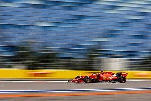 """フェラーリPUの進歩は""""異常""""……メルセデスF1、今季後半は""""追う立場""""に?"""