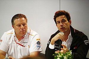 Зак Браун верит в победу McLaren над Mercedes даже в клиентском статусе