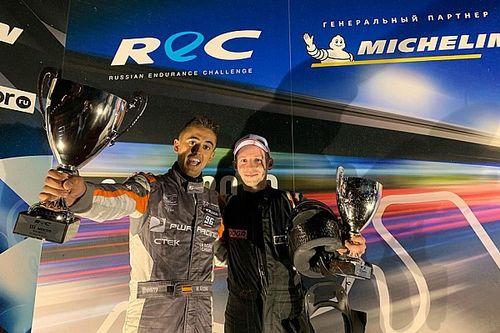 Azcona, con un CUPRA, sube al podio en el campeonato ruso de resistencia