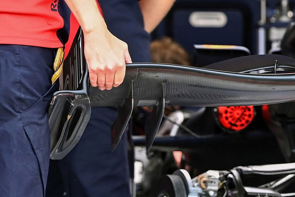 """A Red Bull egy új, """"befújt"""" első szárnnyal érkezett a Nürburgringre"""