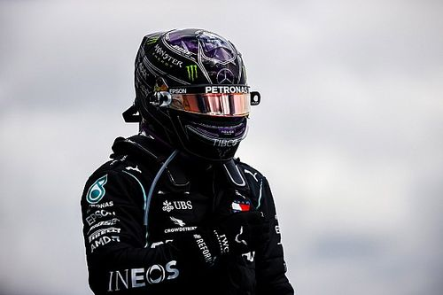 """Hamilton salue l'""""incroyable"""" septième titre de Mercedes"""