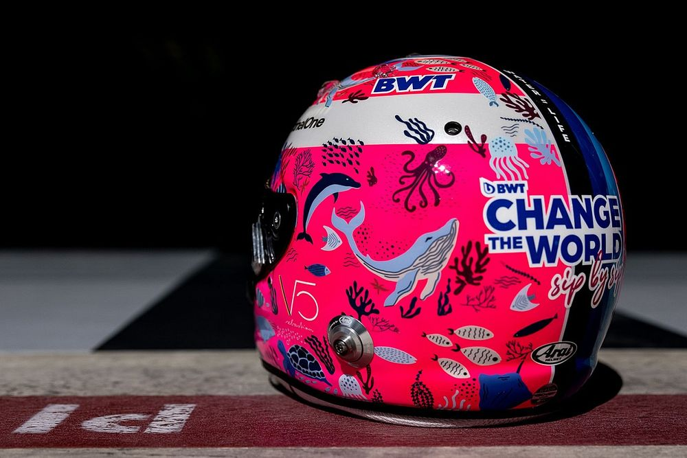Fotos: Vettel estrena un casco en defensa de la vida marina