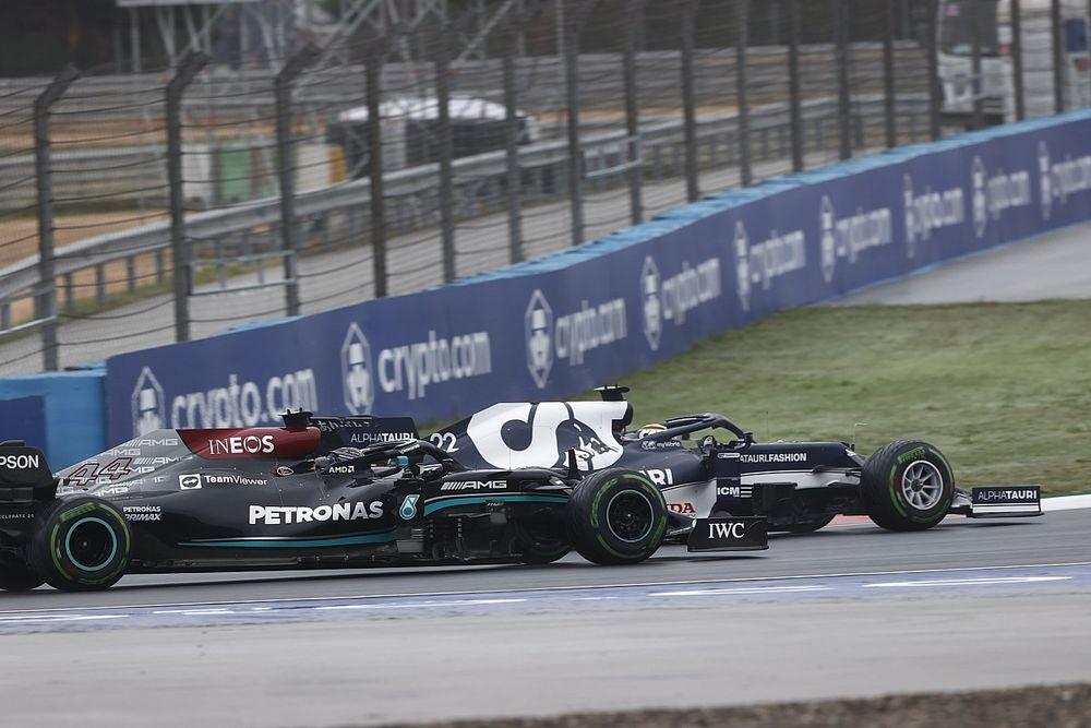 """Tsunoda: """"La difesa su Lewis? Per aiutare Max e la Honda"""""""