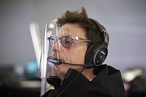 FIA, Wolff'un yüz siperliğini yasaklamış