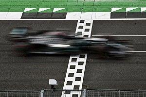 Хэмилтон завоевал поул британского Гран При после разворота и красных флагов