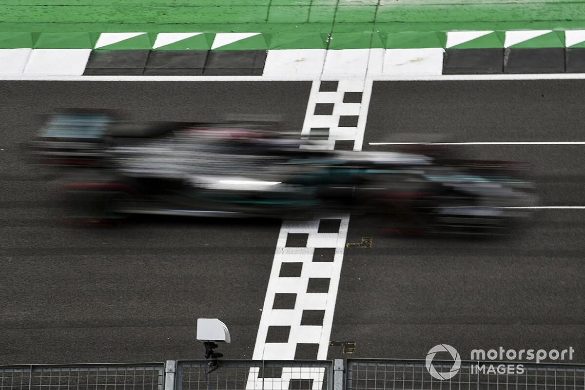 Gran Bretaña F1: Mercedes ningunea al resto y Hamilton se lleva la pole