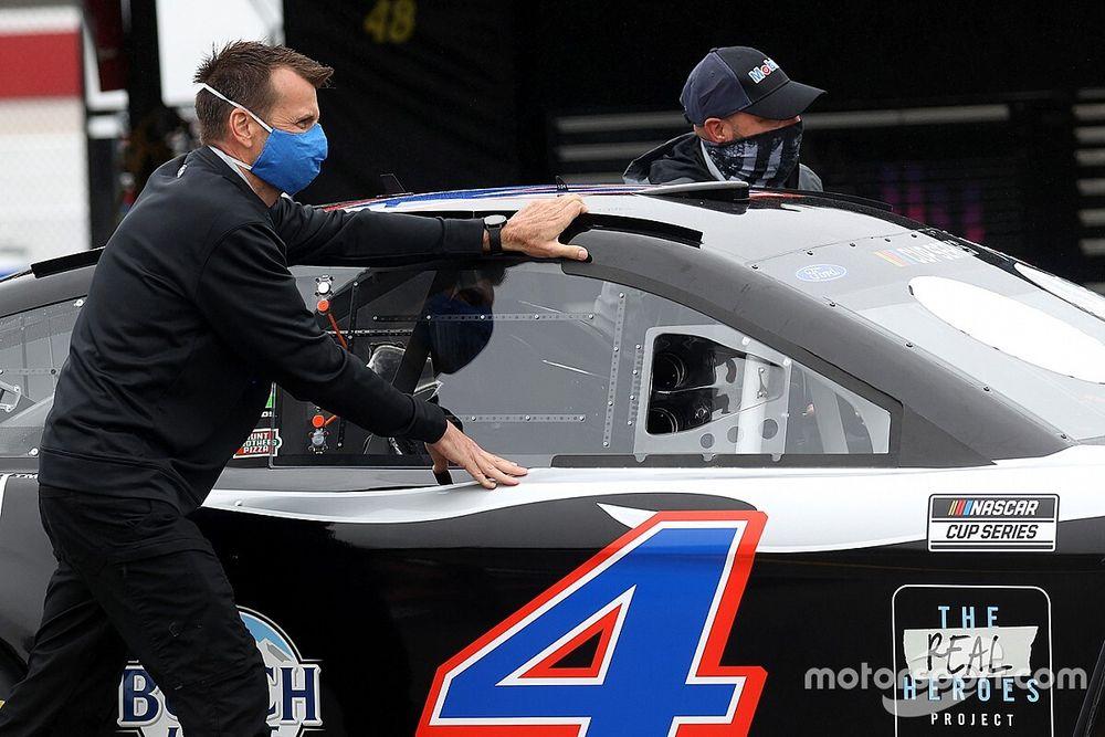 NASCAR: Dois membros da Stewart-Haas testam positivo para Covid-19