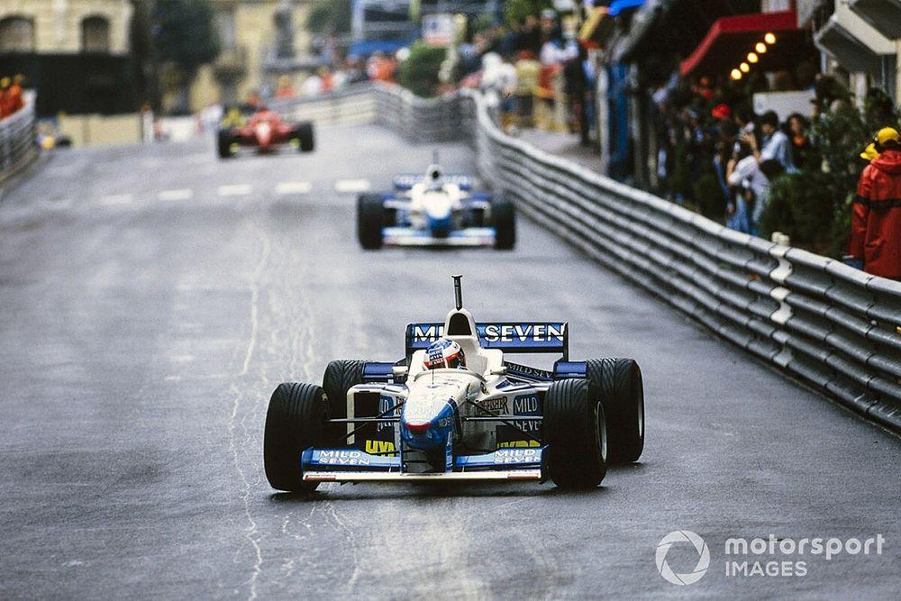 Cómo Mónaco '96 resume la carrera de un luchador de la F1