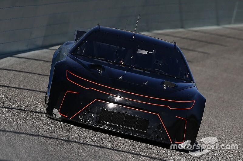 В NASCAR запретили любые тесты, за исключением машин нового поколения