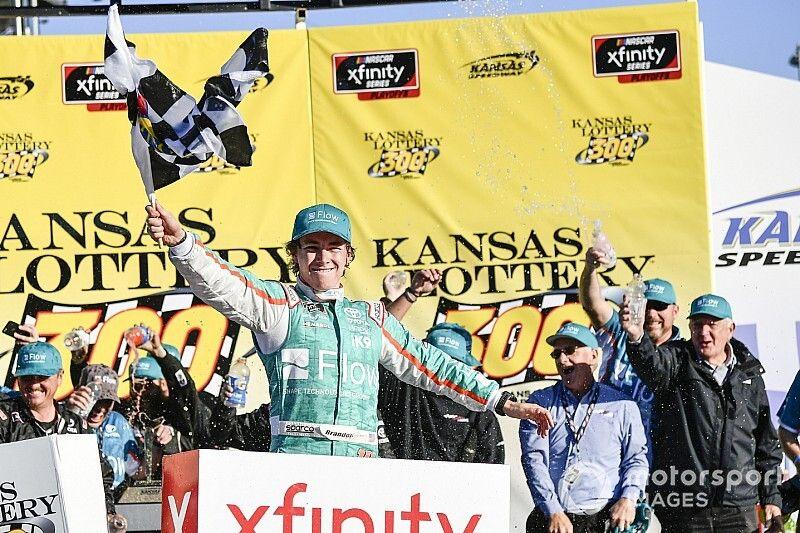 Brandon Jones earns first Xfinity win after chaotic Kansas race