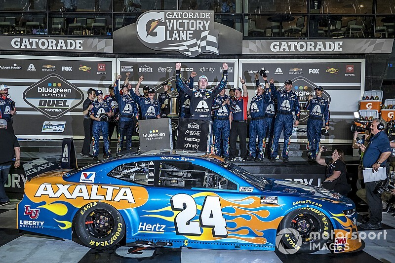 Fellow Chevys help Byron top Harvick for Duel #2 win