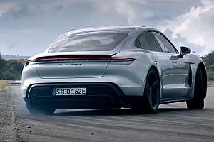 A Teslánál is jobb időt ért el a Porsche Taycan 400 méteren