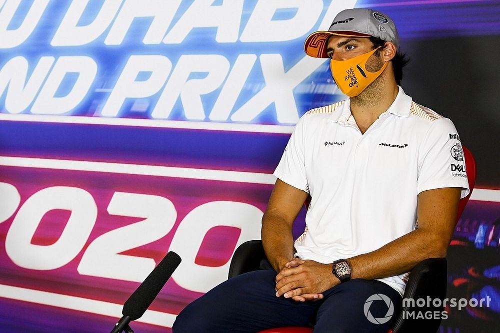 """Para Sainz es """"ilógico"""" e """"injusto"""" no poder probar con Ferrari"""