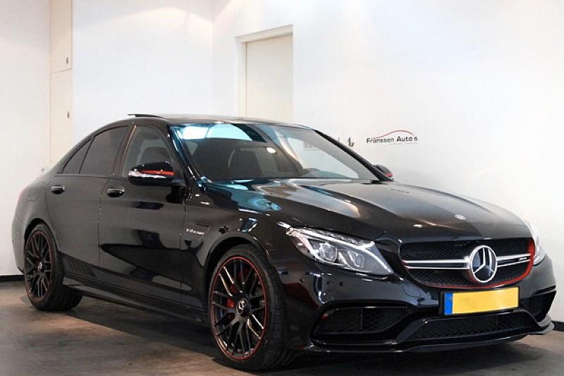Max Verstappen zet gesigneerde Mercedes te koop