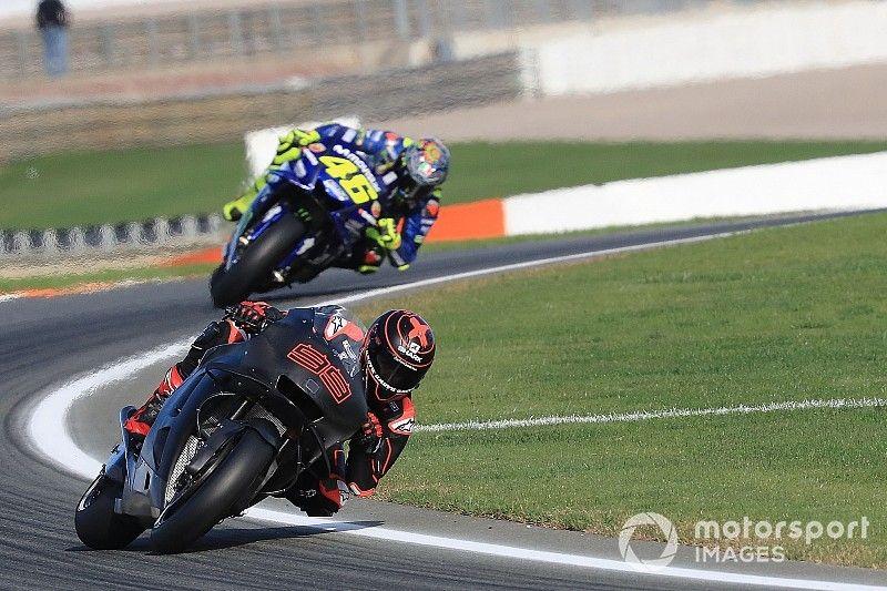 """Rossi, felicitado por sus """"enemigos íntimos"""" en su 40 cumpleaños"""