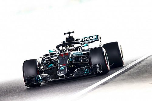 Hamilton manda en una difícil tercera práctica libre en Japón