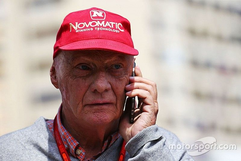 """Lauda: """"Half of the grid"""" has offered to replace Rosberg"""