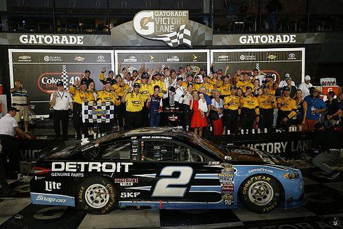 Keselowski sobrevive y vence en Daytona