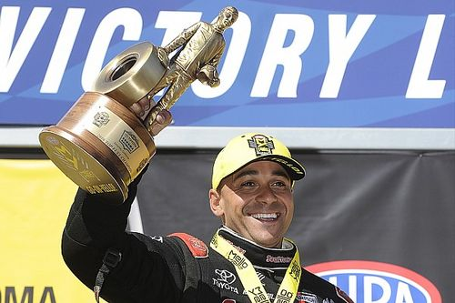 Todd hoping to contend for Funny Car title in his first season