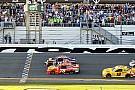 Fotofinish beim Daytona 500: Denny Hamlin bezwingt Martin Truex Jr.