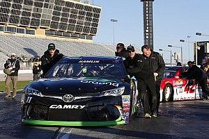 Denny Hamlin leads final Sprint Cup practice at Atlanta