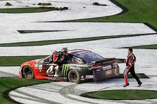 Kurt Busch gana la Daytona 500