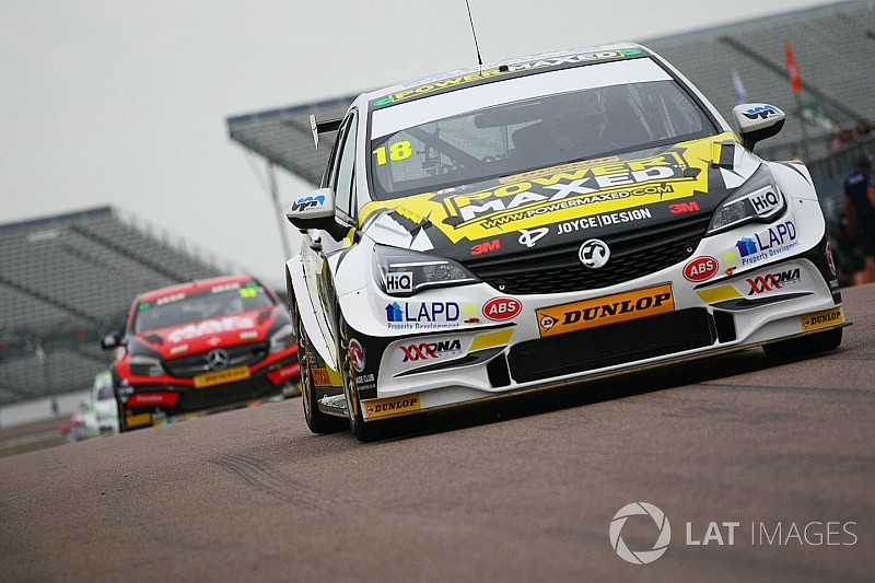 Proctor keeps Power Maxed Racing Vauxhall seat