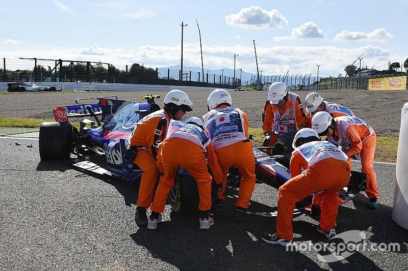 Sainz tersingkir di balapan terakhir bersama Toro Rosso