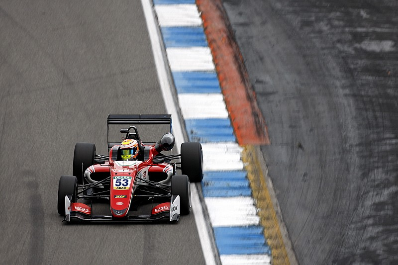 F3 Hockenheim: Ilott domineert in tweede race