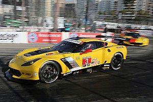 Corvette drivers puzzled by bizarre race ending