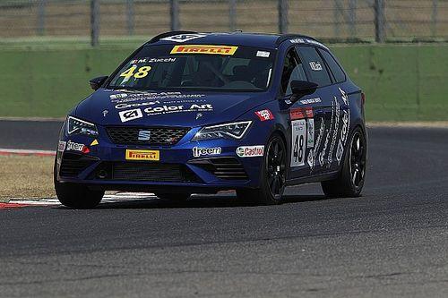 Matteo Zucchi centra la terza vittoria stagionale in Gara 1 a Vallelunga