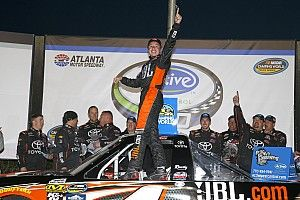 Christopher Bell sweeps all three stages in Atlanta Truck win