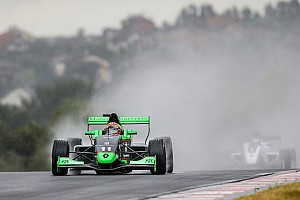 Formula Renault Race report Eurocup Nurburgring: Fenestraz menangi Race 2, Presley ke-25
